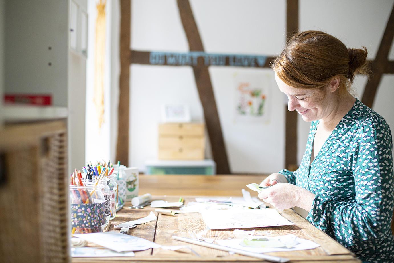 Kerstin-Ax-Illustration-Portrait-im-Atelier
